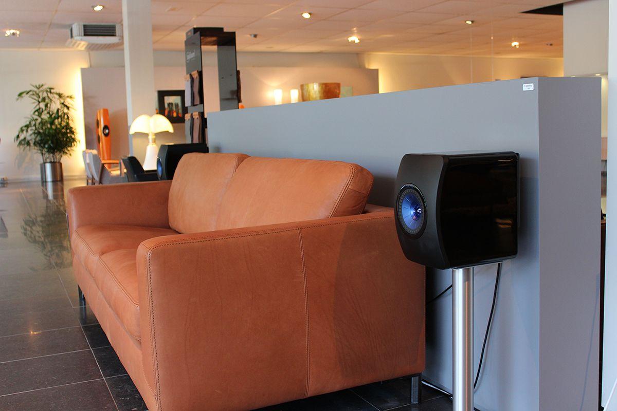 KEF LS50 Wireless in Showroom Aelivé