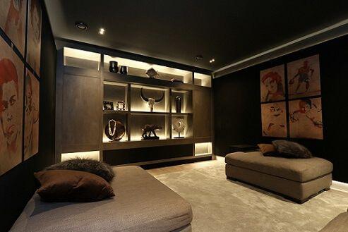 home cinema omgeving binnen de showroom van Aelive HiFi & Smarthomes