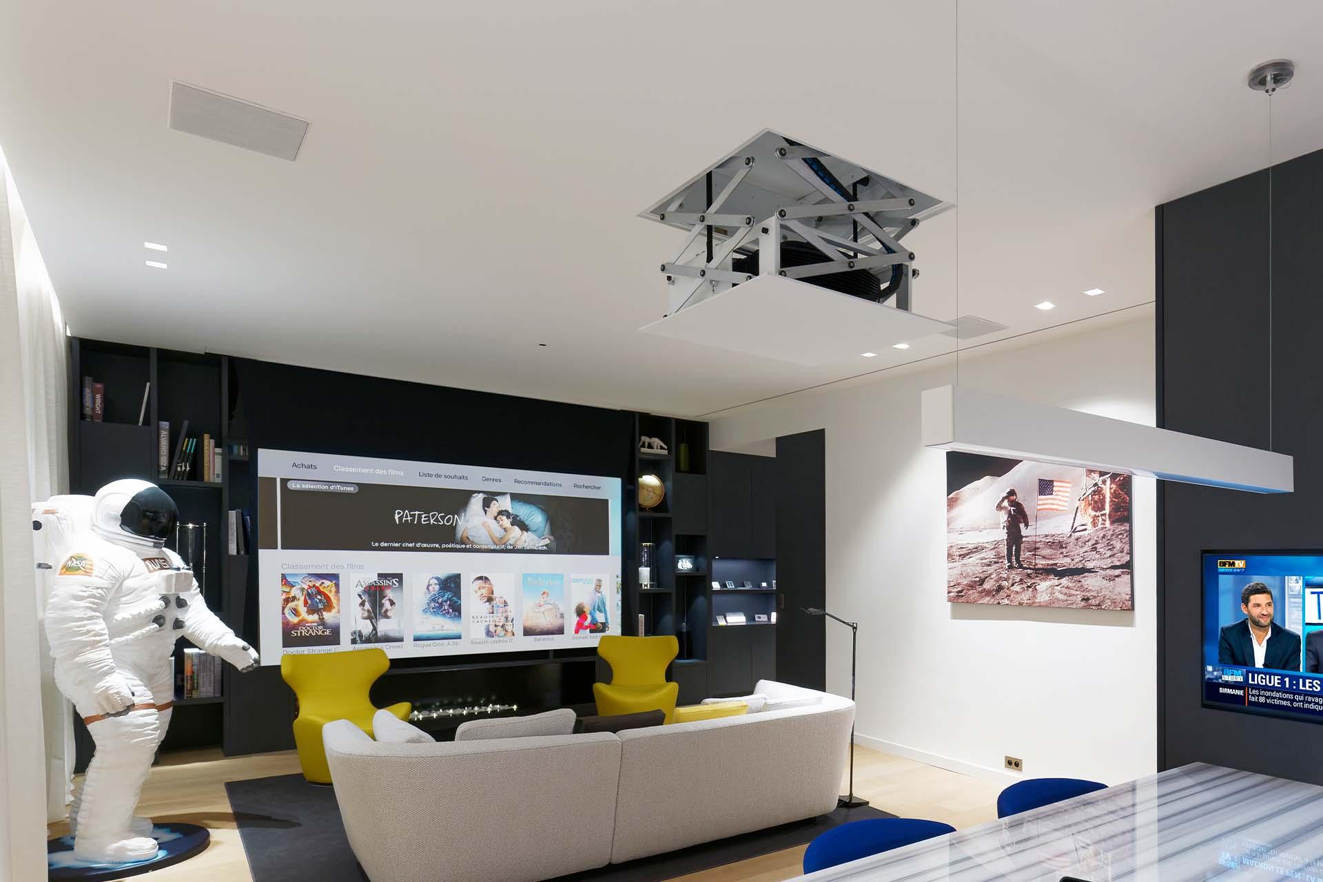 Projector-Lift vanuit het plafond van Future Automation